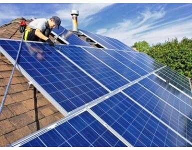Installer des panneaux solaires: 2020 ou 2021?